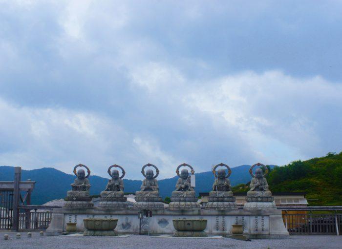 恐山菩提寺の六体のお地蔵さま